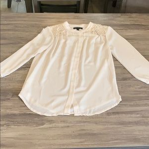 Banana Republic Lace Cream Blouse Size XS Petite